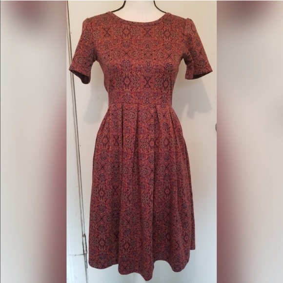 LuLaRoe Dresses & Skirts - Insanely beautiful Lularoe Amelia dress sz S